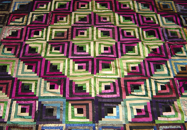 Log Cabin Pattern Quilt