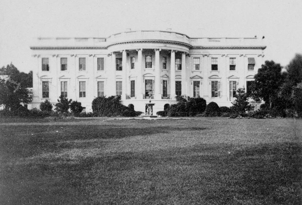 Photograph of the White House in the 19th century.